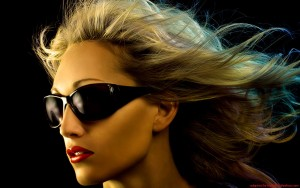 cool-woman-sunglasses